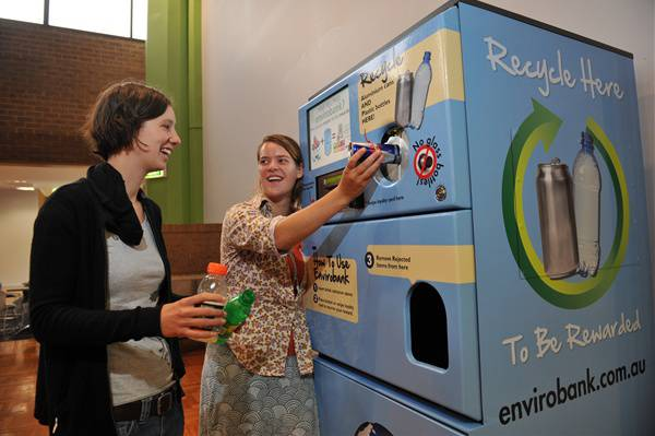 Forget Tokens: Commuters Can Now Pay Subway Fare by Recycling / Ocean Great Ideas
